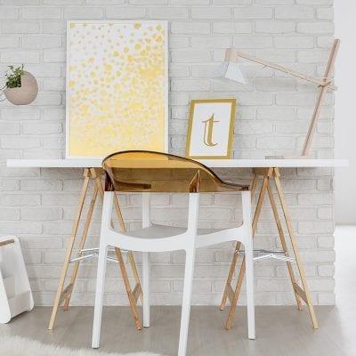 Picture of a simple yet beautiful desk. Desk Organization Ideas